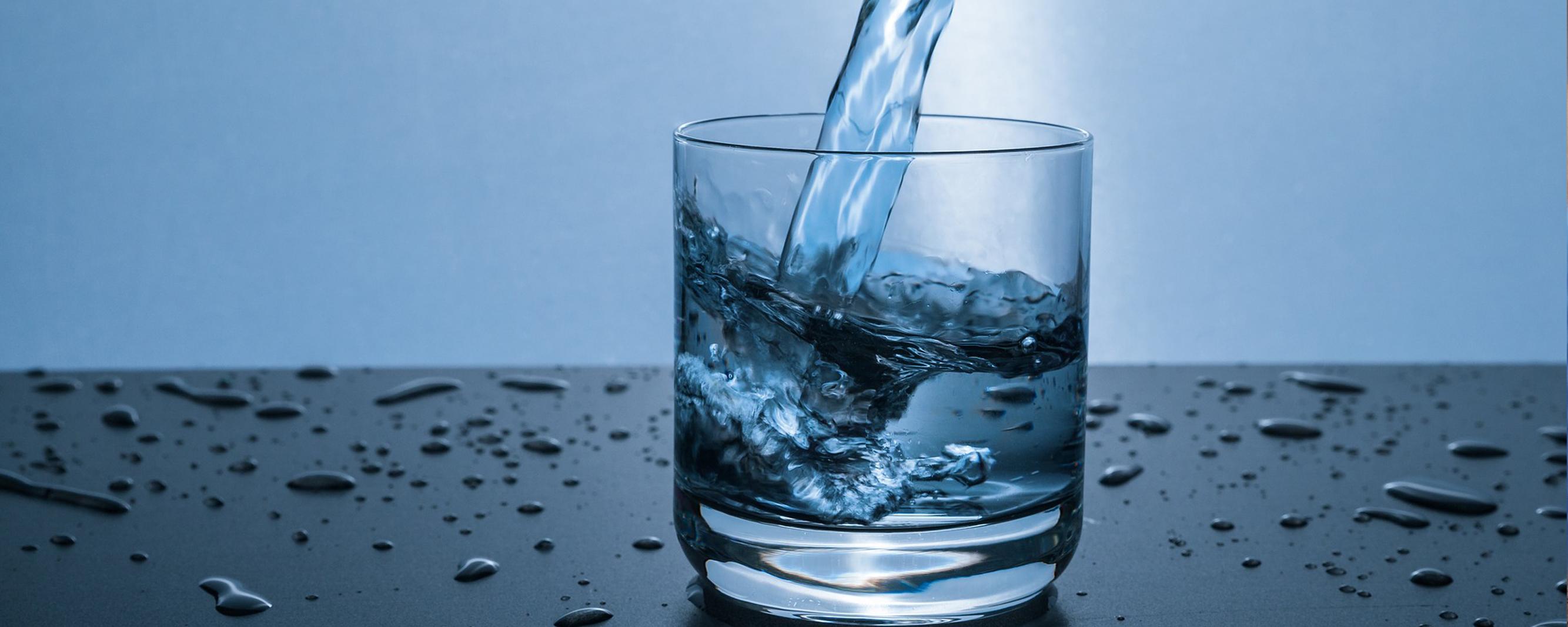 Corona Wasser Trinken